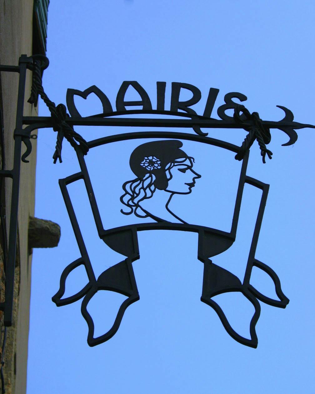 Villefranche De Lauragais: Les Enseignes à Villefranche De Conflent (4)