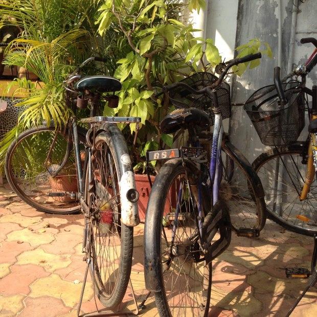 Vélos mis à disposition des touristes dans certains guest-houses, ici à Pondichéry