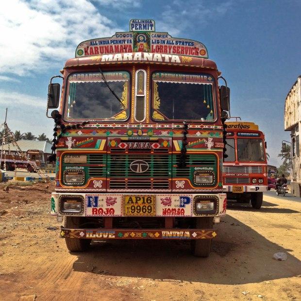 Tata-truck with Jésus, un camion chrétien