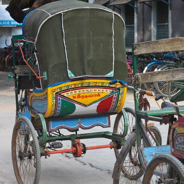 Un rickshaw à Pondichéry, presqu'aussi joliment décoré que certains camions