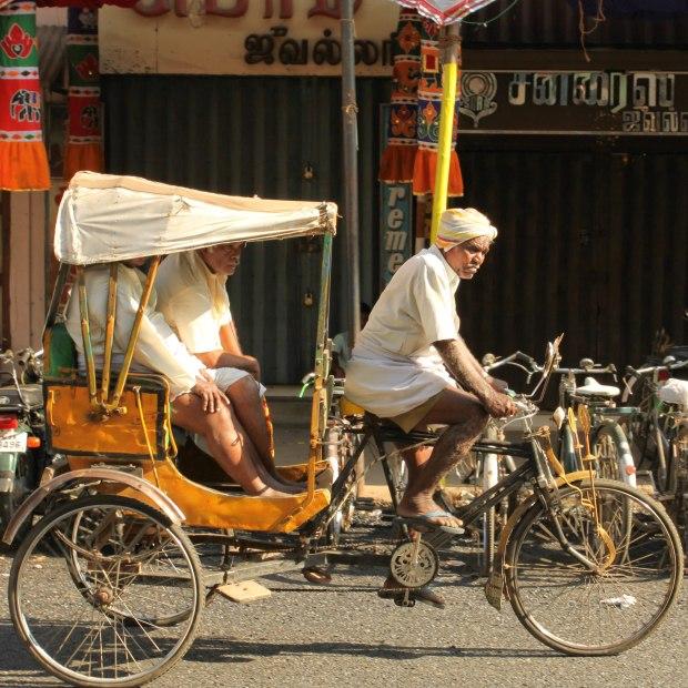 Encore un rickshaw, le pousse-pousse indien