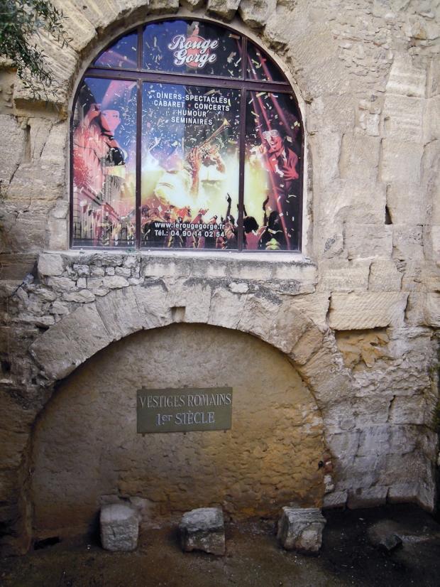 Avignon, un cabaret sur des ruines romaines…