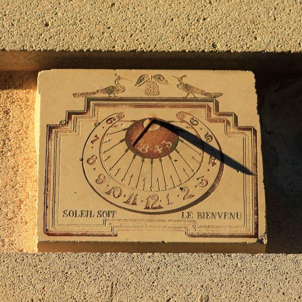 L'horloge solaire gorgée de soleil!