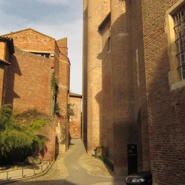 Epoque médiévale, le palais à vocation militaire.