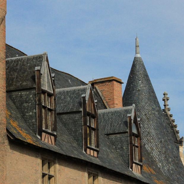 Les toits d'ardoise de Louis d'Ambroise