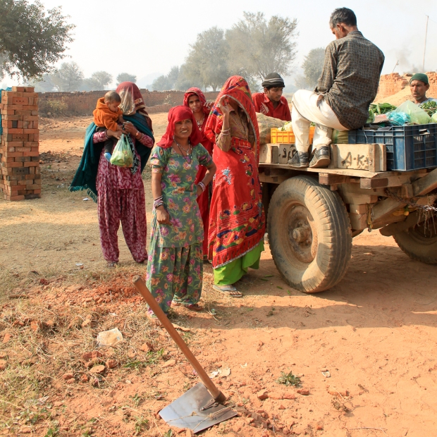 Dans une briqueterie en Inde,  IMG_9494-1