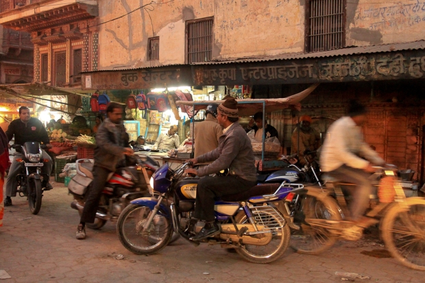 Motorbike in India  IMG_0724-1