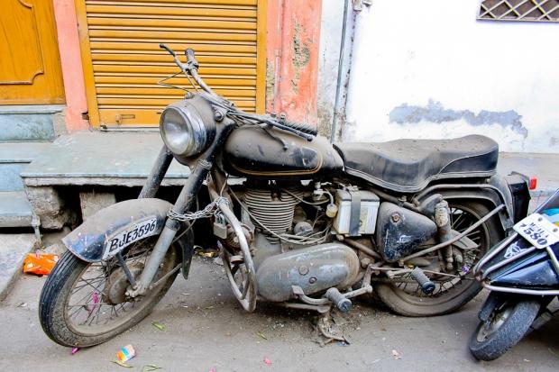Motorbike in India  IMG_3078-1