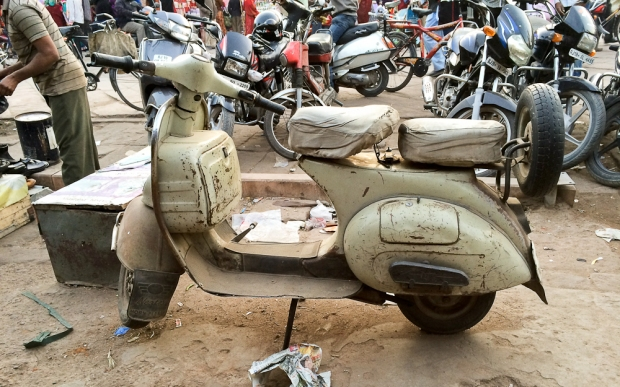 Motorbike in India  IMG_9170-1