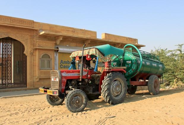 Le plus beau tracteur indien IMG_1183-1