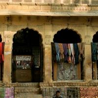 Les échoppes de Jaisalmer et leur artisanat.