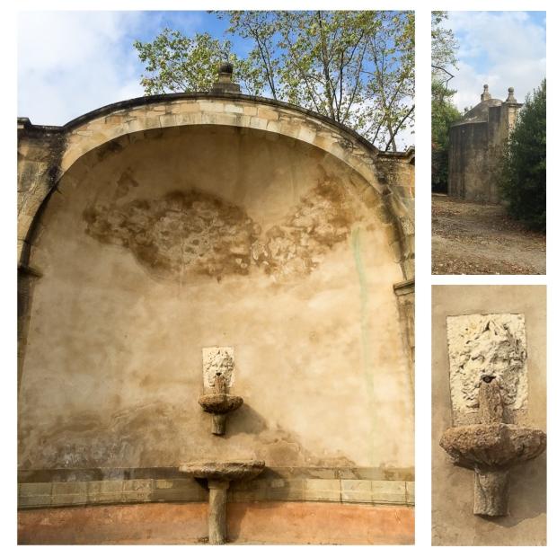 villeneuvette-fontaine-face-dos-detail